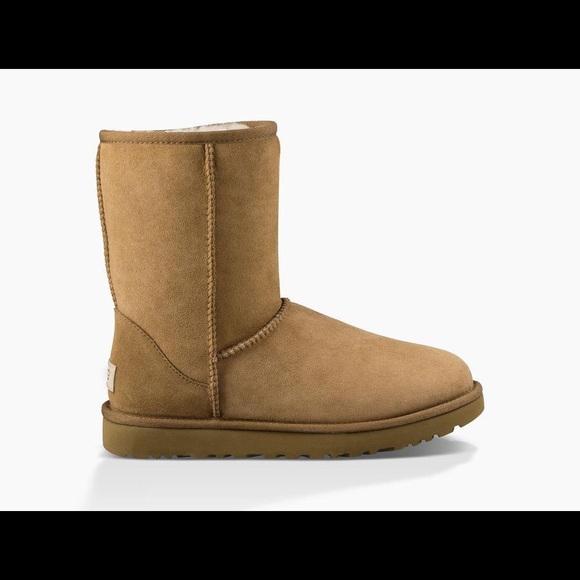 319899222c NIB UGG Classic Short II Boots Chestnut